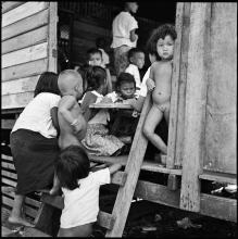 18) Students at Din Daeng slum school, 1958