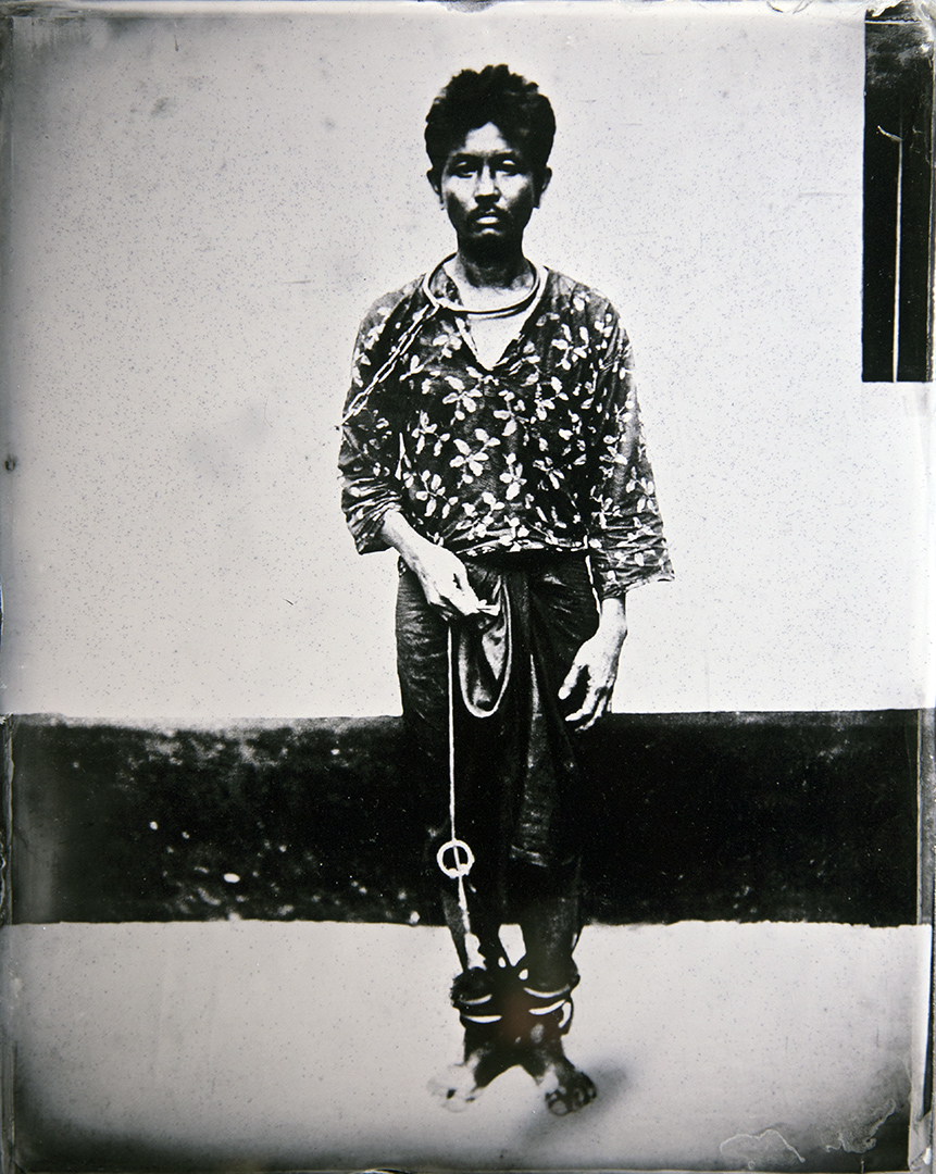 Absolute Prisoners 1902 / Manit Sriwanchpoom