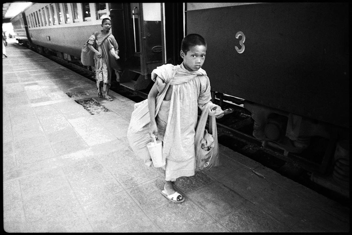 Past – Hua Lamphong / Manit Sriwanichpoom & Rammy Narula